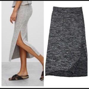 Aritzia Wilfred Free Shields Skirt